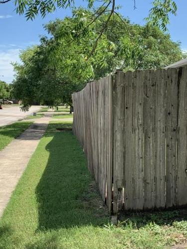 Saggy Fence